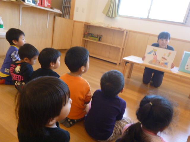 幼児クラスのみんなで手洗いの練習をしました☆_f0327175_18500428.jpg