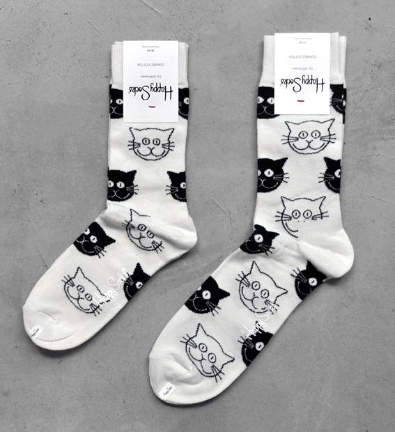 cat design socks!_d0193211_1659969.jpg