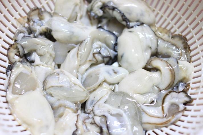 モランボン PREMIUM キムチチゲでレシピ「牡蠣キムチ鍋」♪_a0154192_20102271.jpg