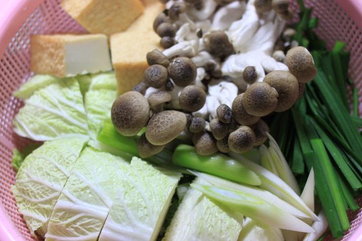 モランボン PREMIUM キムチチゲでレシピ「牡蠣キムチ鍋」♪_a0154192_20104956.jpg