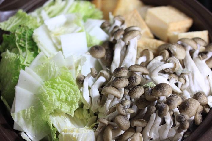 モランボン PREMIUM キムチチゲでレシピ「牡蠣キムチ鍋」♪_a0154192_20115523.jpg