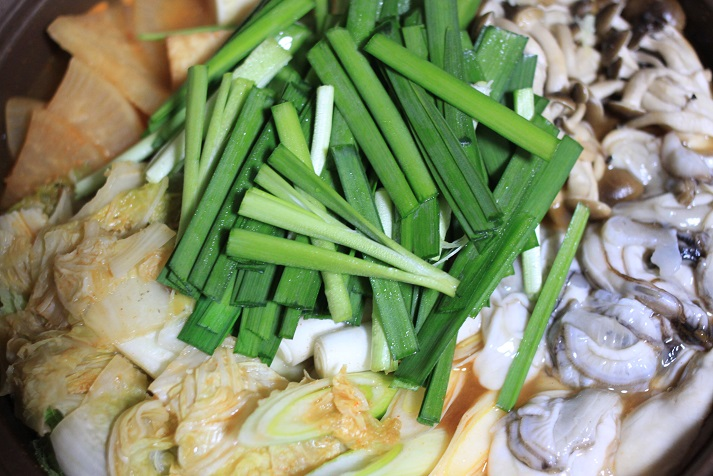 モランボン PREMIUM キムチチゲでレシピ「牡蠣キムチ鍋」♪_a0154192_20122193.jpg
