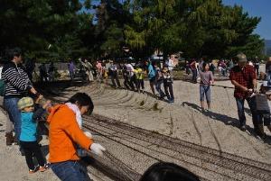 びわ湖で地引網体験_e0008880_21543153.jpg