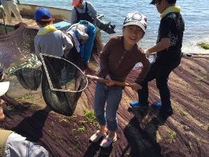 びわ湖で地引網体験_e0008880_21564965.jpg