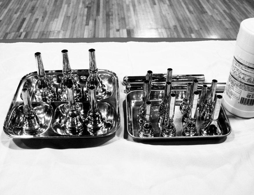▼東京経済大学「身体表現ワークショップ・音で遊ぶ 初心者のための改造楽器」_d0017381_1732686.jpg