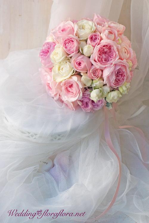 """バラ\""""ヴィオリーチェ\""""\""""シェドゥーブル\""""…ベビーピンク&ホワイトのラウンドブーケ 月曜投稿_a0115684_20532440.jpg"""