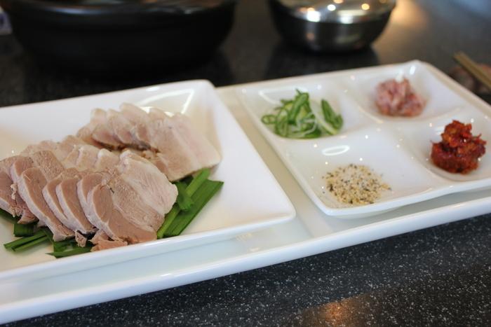 海鮮ポッサムキムチと、茹で豚のポッサム_a0223786_15123030.jpg