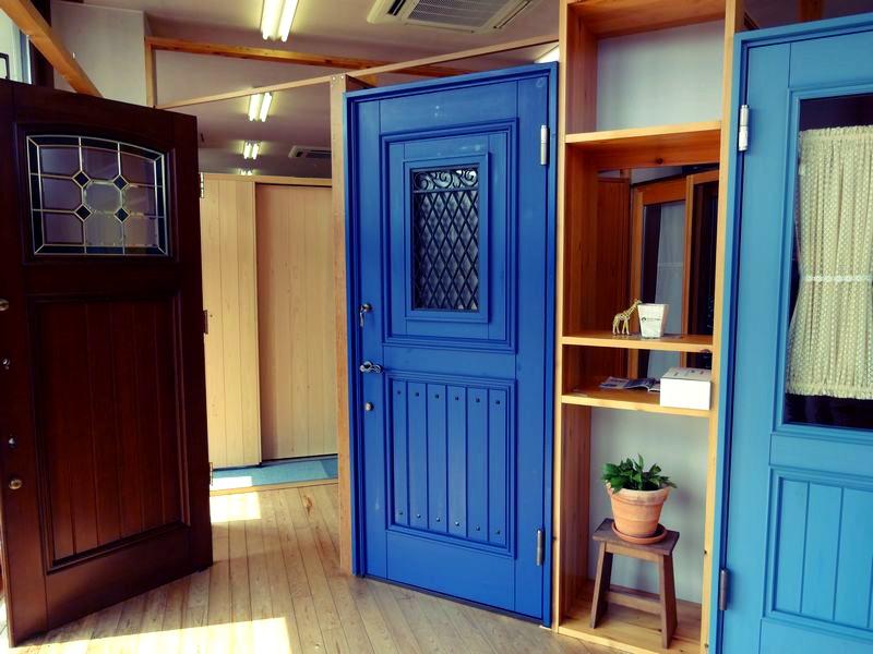玄関ドアの選択~木製玄関ドア(ユダ木工)~_b0131012_111021.jpg