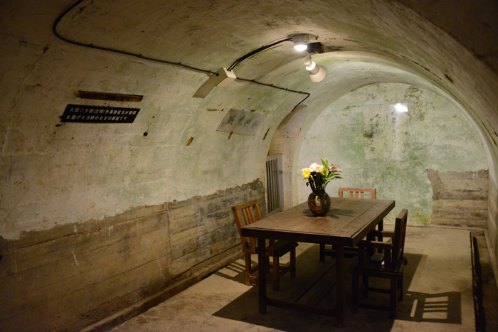 地下の穴倉に4000人もの兵士を収容~沖縄・旧海軍司令部壕写真_e0171573_13564869.jpg
