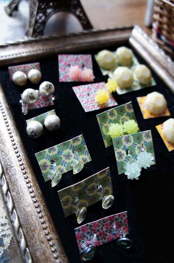 Chez glass earring _b0195783_1439302.jpg