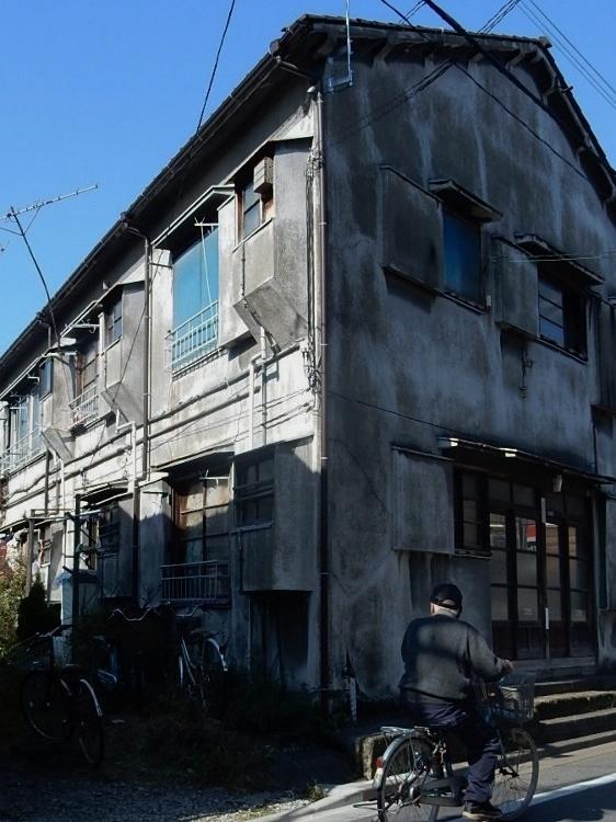古アパート_c0156717_07181876.jpg
