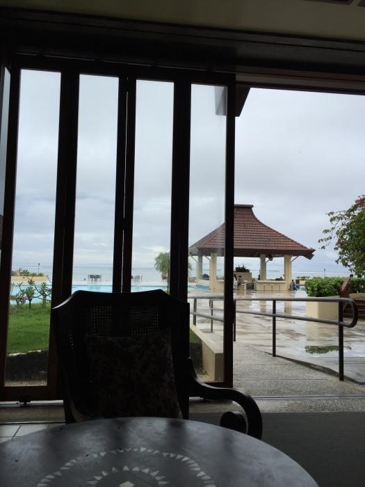 3日目はどしゃぶり、ホテルのカフェで朝ごはん、スペインバルでハッピーアワー~サイパン2015年10月(その6)_f0207146_16430984.jpeg