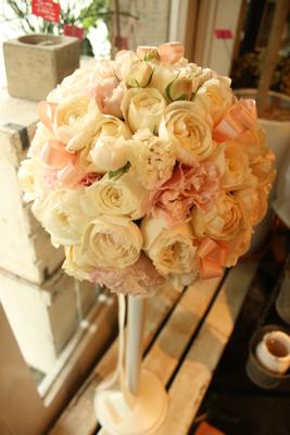 クリーム&ピンクのラウンドブーケ(リボン入り♡)♫_e0149863_19233072.jpg