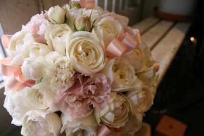 クリーム&ピンクのラウンドブーケ(リボン入り♡)♫_e0149863_19234570.jpg