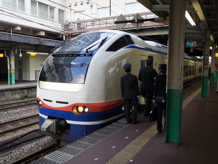 長岡駅 その2 しらゆき2号_d0068664_2228525.jpg