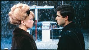 映画『シェルブールの雨傘』ラストシーン_b0074416_1951898.jpg