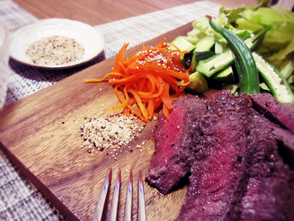 お肉には焼きにんにくこしょう塩_c0357333_20311368.jpg