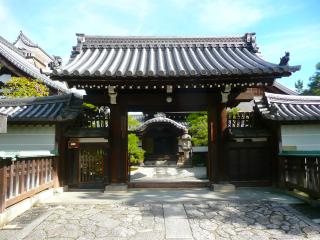 妙心寺で茶の湯 玉鳳院と龍泉庵へ_b0325640_19145516.jpg