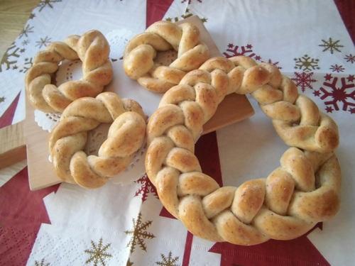 パンのリースのプレゼント_c0172969_12543823.jpg