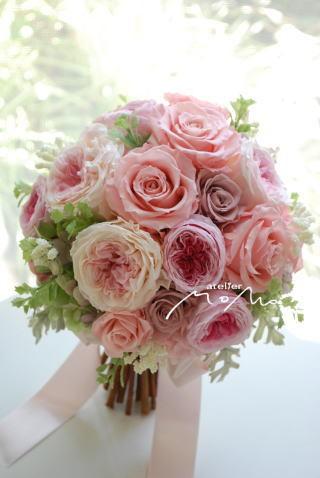 ピンクローズを束ねたブーケ ロマンティックに!_a0136507_22442442.jpg