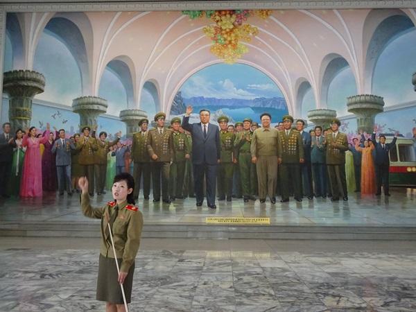 お土産屋めぐり?☆北朝鮮ツアー2015_e0182138_13244876.jpg