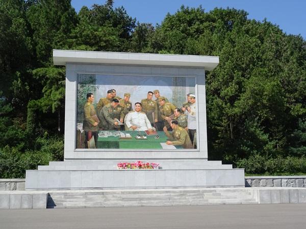 お土産屋めぐり?☆北朝鮮ツアー2015_e0182138_13261328.jpg