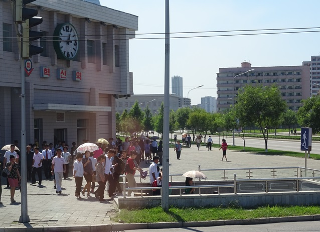 お土産屋めぐり?☆北朝鮮ツアー2015_e0182138_13294753.jpg