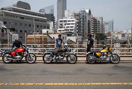 しば待ち from 夏の並木橋_f0203027_1434519.jpg