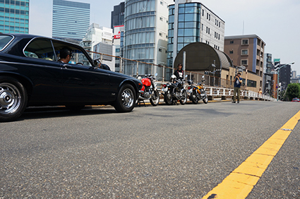 しば待ち from 夏の並木橋_f0203027_14345885.jpg