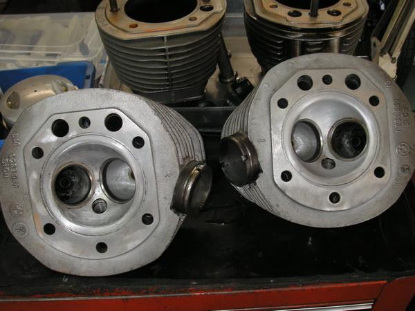 BMW Rtype ヘッドの加工、修正_e0218639_1265374.jpg