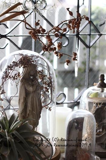 お花と植物と。インテリア・モノの重なり・・・_e0237680_10011938.jpg