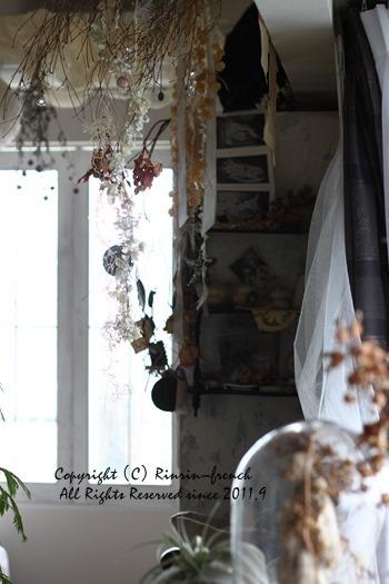 お花と植物と。インテリア・モノの重なり・・・_e0237680_10040567.jpg