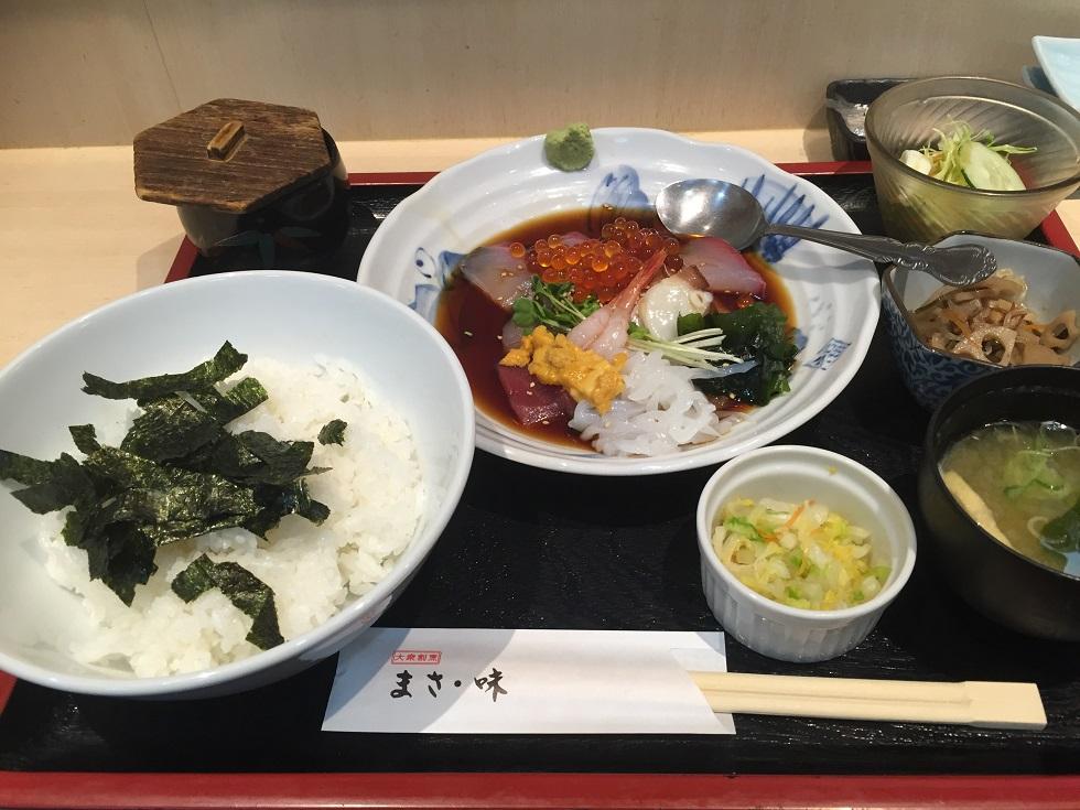 福岡市鮮魚市場市場会館 その3 まさ味 後乗せ海鮮丼_f0098002_20204695.jpg