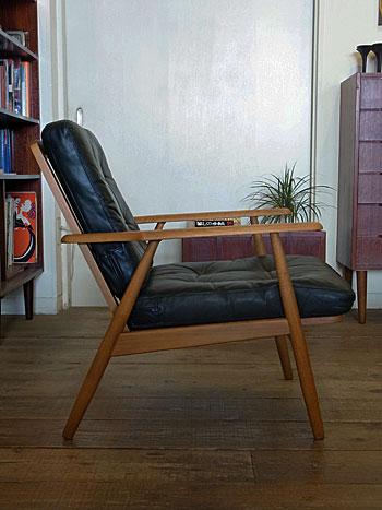 easy chair_c0139773_1633665.jpg