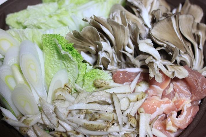 モランボン PREMIUM 地鶏だしちゃんこ鍋でレシピ「きりたんぽ鍋」♪_a0154192_13402197.jpg