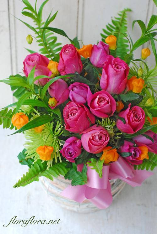 気ぜわしい神無月の月曜日 お誕生祝のアレンジメント_a0115684_20590205.jpg