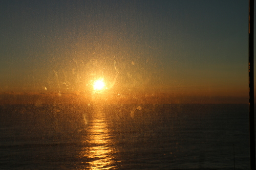日立駅から昇る太陽のルクス(lux)・・・その1_c0075701_6582073.jpg