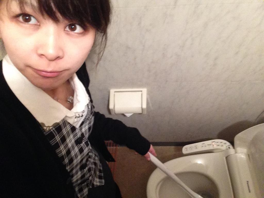 ☆11月17日(火)TOMMYアウトレット☆エスティマHV☆K様納車☆_b0127002_16224086.jpg