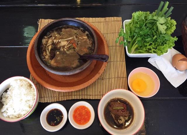 鍋はみんなで食べるほうが美味しい?_e0182138_13152627.jpg