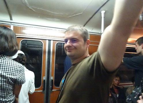 めっちゃ豪華な地下鉄☆平壌、北朝鮮ツアー2015_e0182138_22111774.jpg