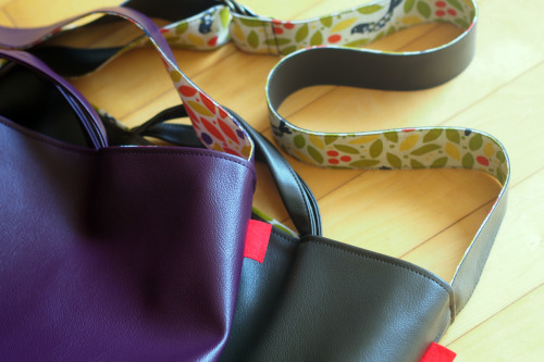 "2way reversible bag ""wide\""のサイズ感_e0243765_21211911.jpg"