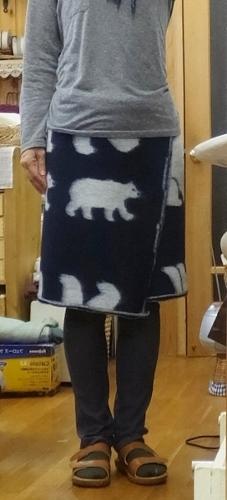 ポーラーベアのラップスカートと猫トイレのお話_c0115596_20584261.jpg