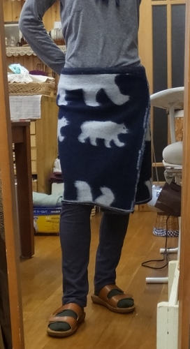 ポーラーベアのラップスカートと猫トイレのお話_c0115596_20594749.jpg