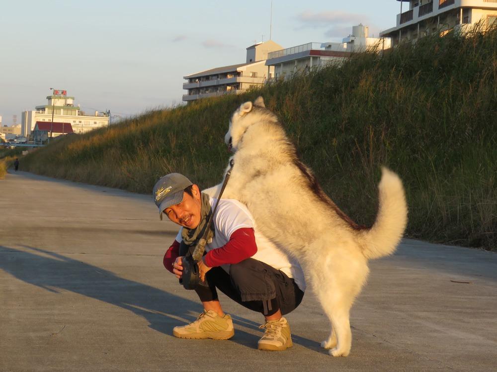 やっぱりおんぶ犬 (≧∇≦)_c0049299_22301671.jpg