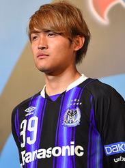 サッカー日本代表監督の給料はなぜ高い?:そりゃ欧州ねじ込みプラグだからサ!?_e0171614_1095261.png