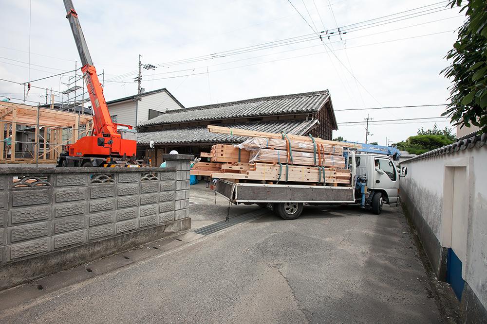 伝統ある町並みに建てる風格ある木造邸宅(1)_a0163962_1653177.jpg