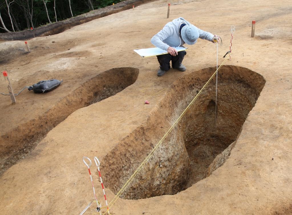 コラムリレー(第58回) シカが描かれた土器_f0228071_10105216.jpg
