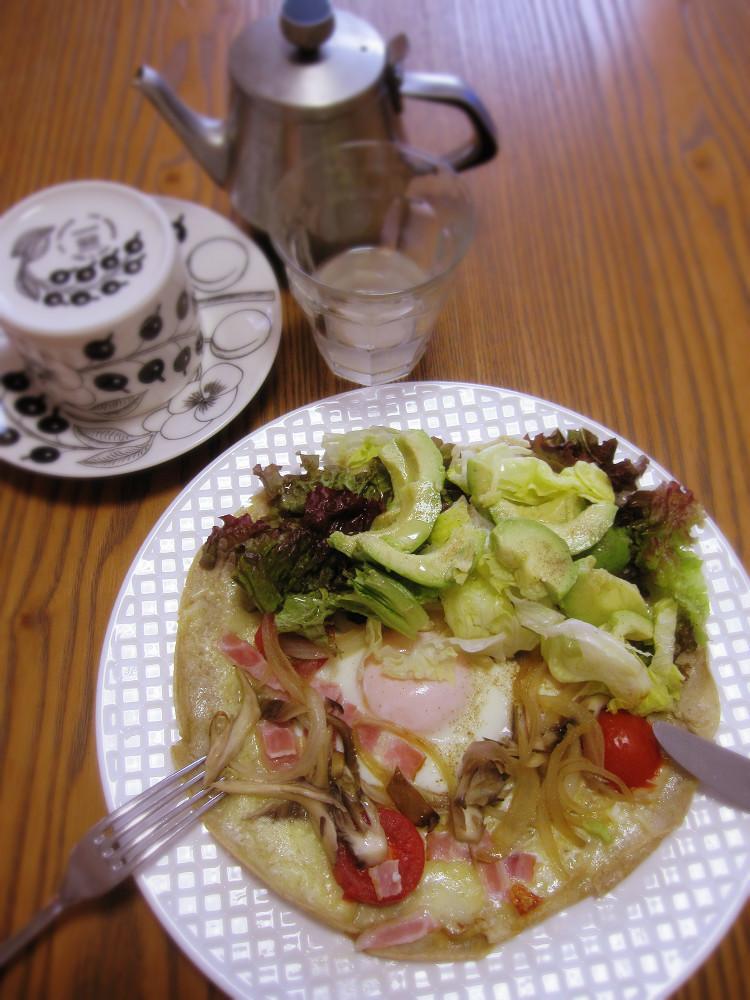野菜たっぷり!そば粉のガレットです_c0357333_08423155.jpg