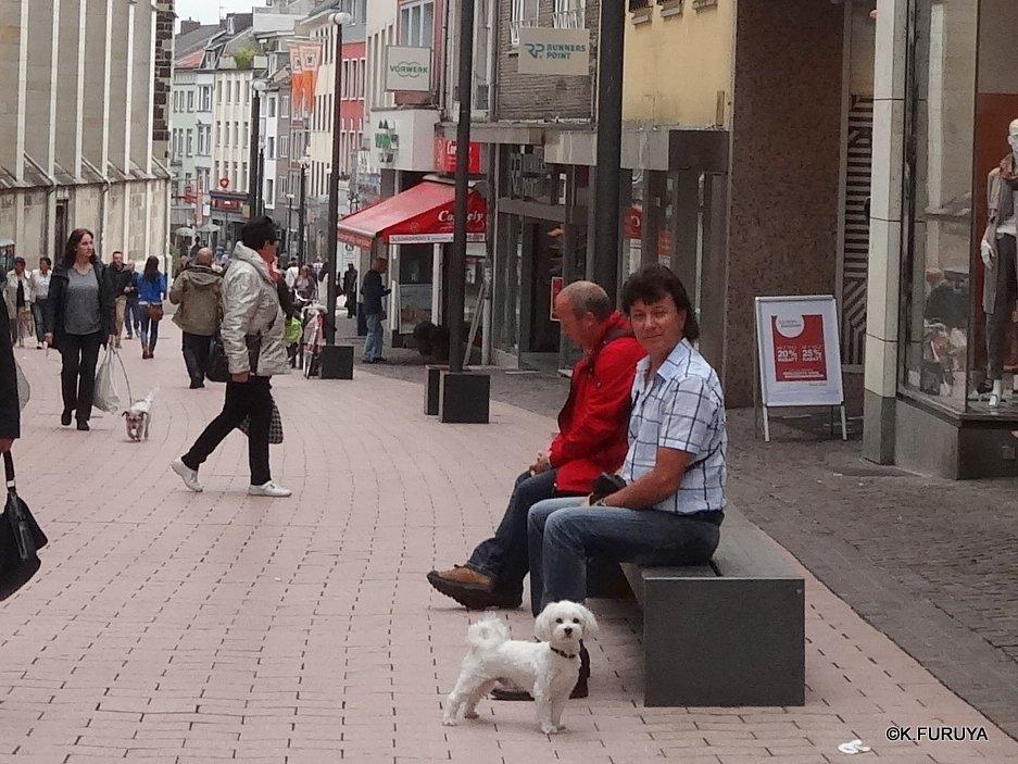 ドイツ9日間の旅 22   アーヘン街歩き ♪ その2_a0092659_1653331.jpg