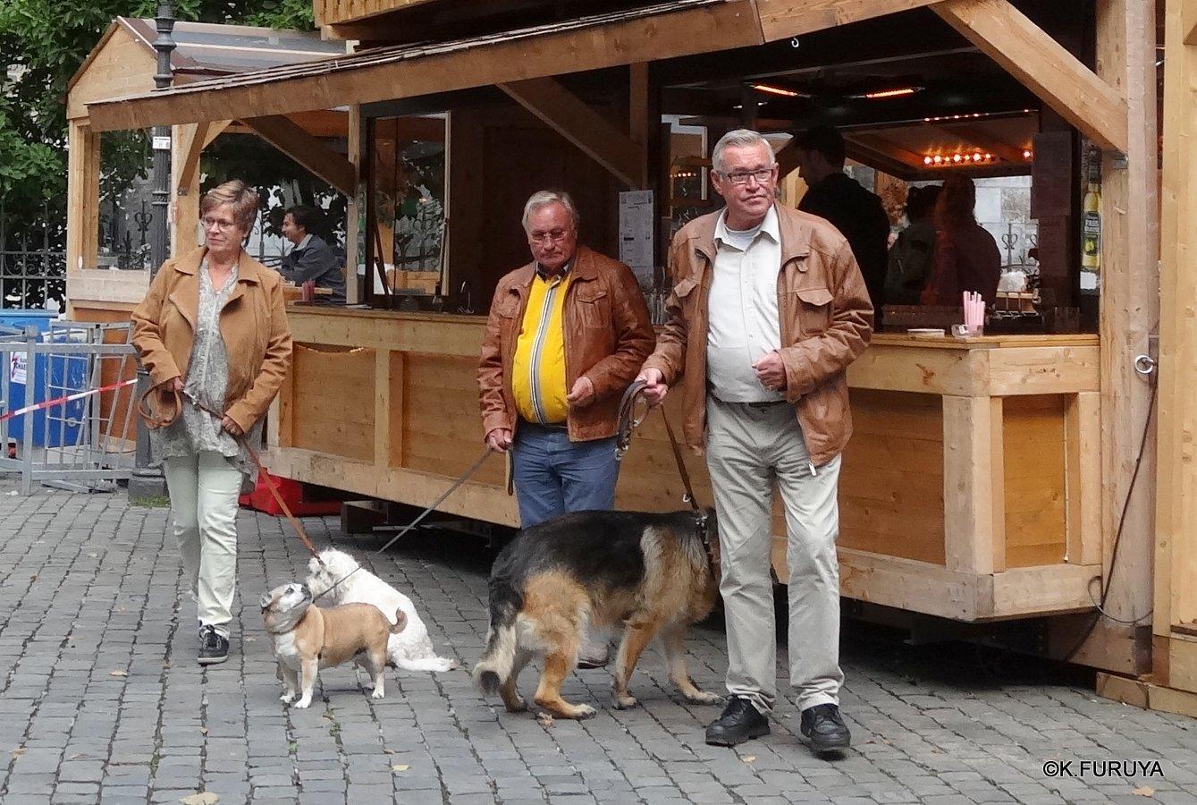 ドイツ9日間の旅 22   アーヘン街歩き ♪ その2_a0092659_16563.jpg